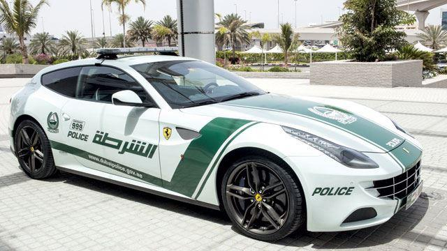 Dubai-Police-Ferrari-FF