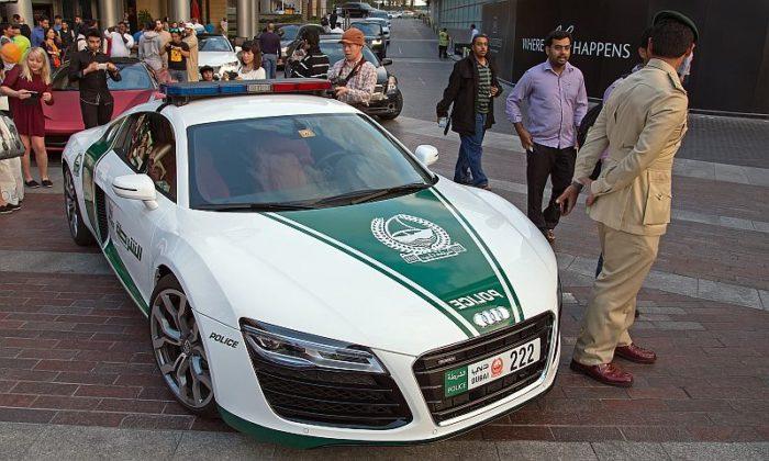 Dubai-police-cars-Audi-R8