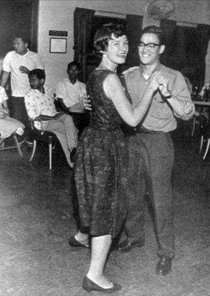 bruce-lee-on-a-dance-floor