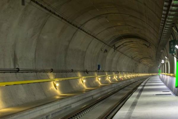 gotthardsky-upatni-tunel-1