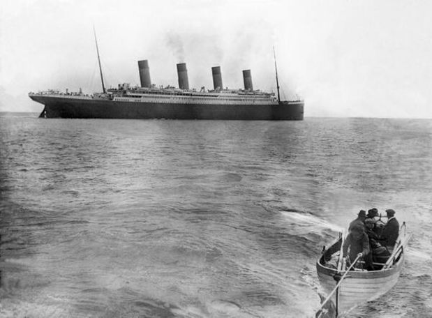 the-last-picture-of-titanic-taken-before-it-sunk-1912