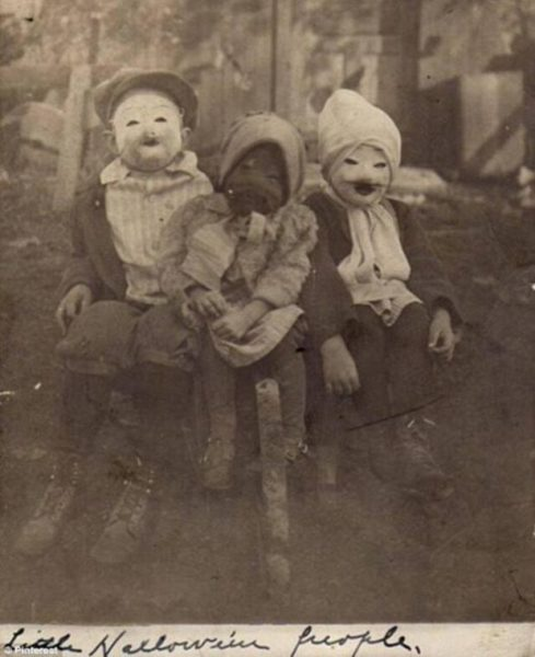 what-halloween-looked-like-in-1900