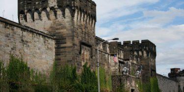 philadelphias_eastern_state_penitentiary_main_gate